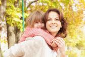 幸せな母と娘 — ストック写真
