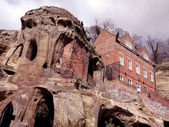 Buildings built into the sandstone formations near Nottingham Castle — Stock Photo