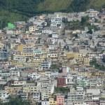 Panoramic view of Quito, Ecuador — Stock Photo #24020069
