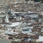 Panoramic view of Quito, Ecuador — Stock Photo #24020383