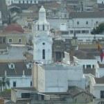 Panoramic view of Quito, Ecuador — Stock Photo #24089951