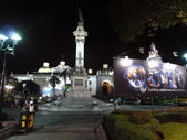 Plaza Grande (The Main Square) at night in Quito, Ecuador — Stock Photo