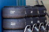 Шины F1 в одеяла в ямах — Стоковое фото