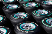 F1 Tyres Ready For Use in the Pits — Zdjęcie stockowe
