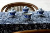 Cztery herbaty miski oznacza spotkanie — Zdjęcie stockowe
