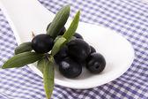 Olives isolated — Stockfoto