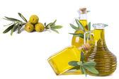Composizione di bottiglie di olio e olive — Foto Stock
