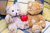 Teddy bears with heart — Stock Photo
