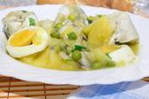 Hake yeşil soslu — Stok fotoğraf