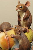 Ornamental statue of field mice — Stock Photo