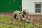 Elephant from tyre covers — Stock Photo