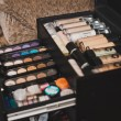 Постер, плакат: Set for a make up