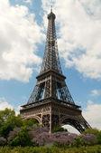 Bright sunny day in Paris — Stock Photo