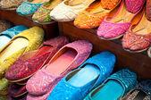 Traditionele kleurrijke Arabische slippers — Stockfoto