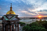 Sunset over Isaac's cathedral — Stock Photo