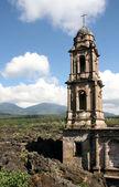 Kilise san juan parangaricutiro — Stok fotoğraf