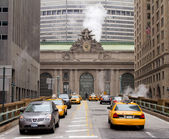 Traffic near the Grand Central Station, New York — Stock Photo