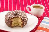 Cronuts 和咖啡 — 图库照片