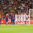 Постер, плакат: Leo Messi shots a free kick