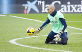 Valdes at FC Barcelona training session — Stock Photo