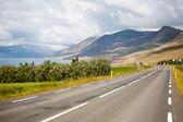 Mountain road along the ocean — Stock Photo