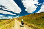 Um motociclista da montanha — Fotografia Stock