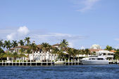 Canal in Fort Lauderdale — Stock Photo