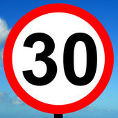 30 mph speed limit sign — Stock Photo