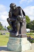 Hamlet statue in Stratford-upon-Avon — Stock Photo