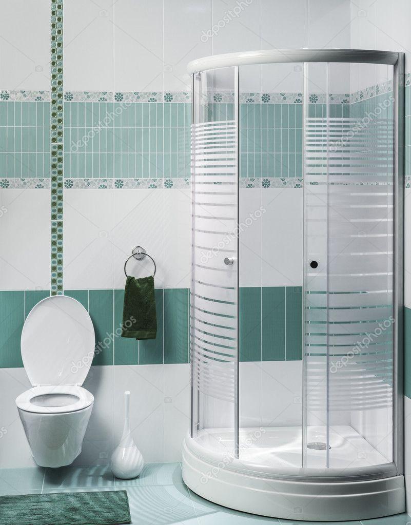 Detalhe de um interior moderna casa de banho com chuveiro de luxo ...