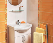 Detail of a luxurious bathroom with accessories — Стоковое фото