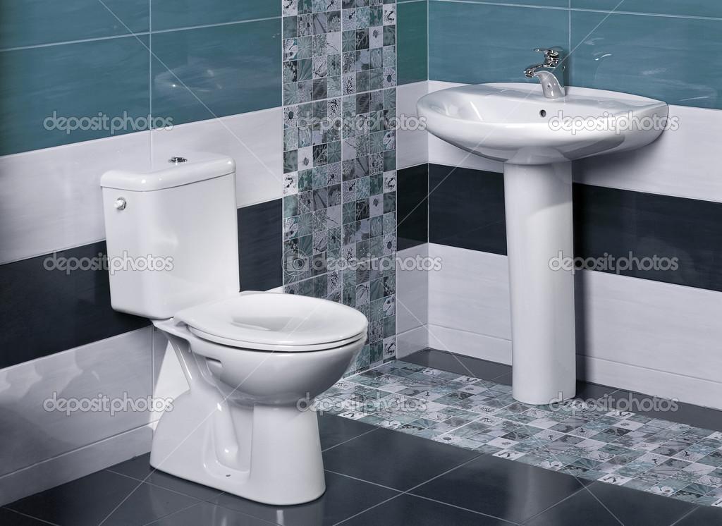 Detalhe de uma luxuosa casa de banho com azulejos modernos for Casa del azulejo