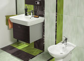 Detail of modern bathroom with sink and bidet — Foto de Stock
