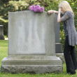 Grief in the Cemetery — Stock Photo