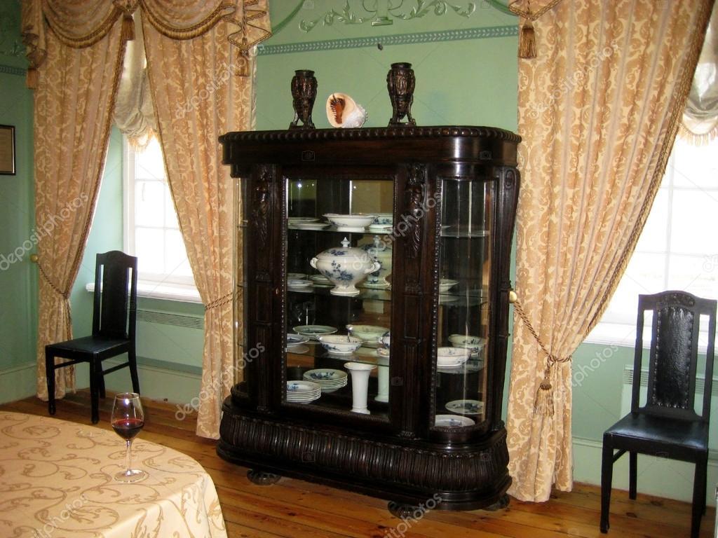 Klassiska interiör matsal i en gammal herrgÃ¥rd — stockfotografi ...