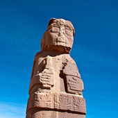 Monolith at Tiwanaku, Altiplano, Titicaca region, Bolivia — Stock Photo