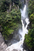 Pailon del Diablo - Mountain river and waterfall in the Andes. B — Stock Photo