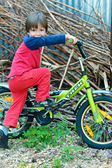 Little boy afraid to ride a bicycle — Stock Photo