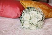 Big white roses bouquet — Stock Photo