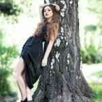 giovane donna glamour all'aperto — Foto Stock