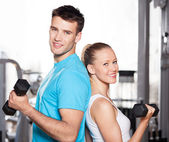 Couple à la salle de gym — Photo