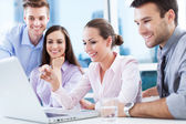 Team di business presso l'ufficio — Foto Stock