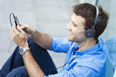 Man listening to music — Foto Stock