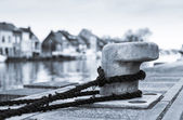Tied down (Bollard on the dock) — Stock Photo