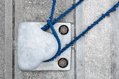Tied down (bollard in the harbor) — Stock Photo