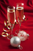 Champagne glasses with christmas decorations — Foto Stock