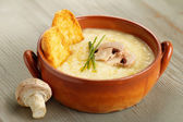 Champignon mushroom soup with chives and croutons — Stock Photo