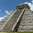 Kukulkan pyramid in Chichen Itza — Stock Photo