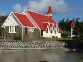 Czerwony kościół zadaszony — Zdjęcie stockowe