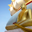 Golden Buddha in Wat Phra Yai — Stock Photo